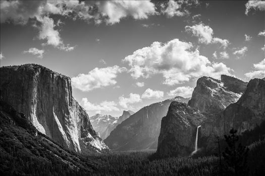 Tunnel View of Yosemite